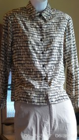 TAN WITH BLACK DESIGN TOPS BY NOTATION CLOTHING CO. SIZE SMALL PETITE in Plainfield, Illinois