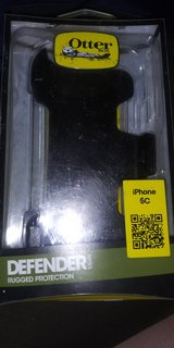 iphone 5c otterbox case in Clarksville, Tennessee