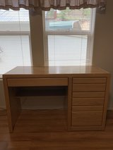 Wood Desk With Drawers in Alamogordo, New Mexico