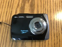 Bell & Howell Splash Camera - waterproof to 10 feet in Batavia, Illinois
