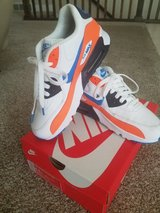 Air Max 90 Size 6.5 Y in Hill AFB, UT