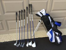 MAXFLI REV3 JR. RIGHT HAND GOLF CLUB SET in Plainfield, Illinois