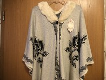 BNWT One Size Fits All Fashionable Poncho in Ramstein, Germany