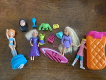 Assorted Polly Pocket Pieces in Aurora, Illinois