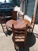 7 piece vintage oak dinnette set in Warner Robins, Georgia