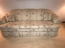 Couch by flexsteel LIKE NEW! in Naperville, Illinois