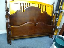 Queen Four Poster Bed in Bartlett, Illinois