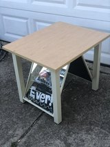 "Display Table With Mirrors 30""x 24""x25"" in Plainfield, Illinois"