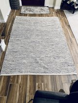 5x7 black and white rug in Kingwood, Texas