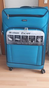 "A brand new Leisure Escape 30"" Spinner Luggage!! in Wiesbaden, GE"