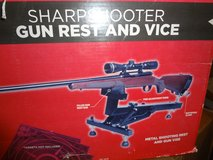 ALLEN Sharpshooter Gun Rest & Vice in Dover, Tennessee