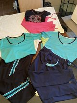 Lot of 3 Women's Capri Outfits Size Large in Kingwood, Texas