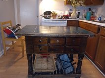 kitchen island in Hopkinsville, Kentucky