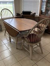 Drop leaf farm house style breakfast table in Cleveland, Texas