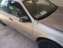 1993 ford taurus in Fort Campbell, Kentucky