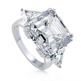 ***FINAL REDUCTION...16CTTW Asscher Cut CZ Engagement Ring*** in Cleveland, Texas