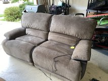 Electric recliner couch in Fort Belvoir, Virginia