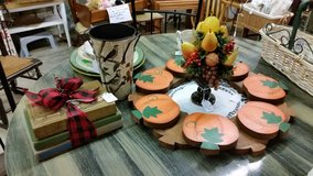 Decorative accessories in Fort Campbell, Kentucky