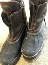 Men's winter boots size 11 in St. Charles, Illinois