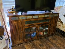 Solid Wood Entertainment Stand TV Television Livingroom Game Room Den in Kingwood, Texas