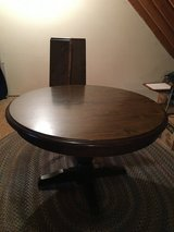 """48"""" Dining Kitchen Game Family Room Table with 2 Leaves in Chicago, Illinois"""