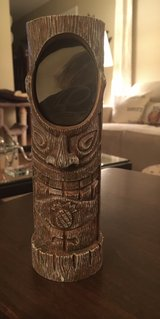Tiki Photo Holder in Bolingbrook, Illinois
