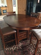 Dining Room Table & Chairs in Fort Leonard Wood, Missouri