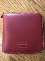 COACH Authentic Vintage Classic Red Leather Case Holder Holds 12 CD DVD Blu-Ra in Naperville, Illinois