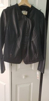 Leather jacket size M in St. Charles, Illinois