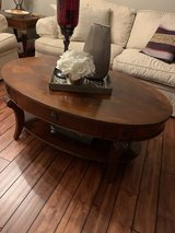 Coffee table Oval in Chicago, Illinois