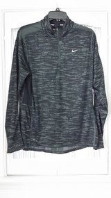 Nike - Long Sleeve - L - Top in St. Charles, Illinois