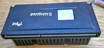 Intel Pentium-2 PII SL2U6 400Mhz, 100Mhz FSB, 512KB cache, 80523PY400512PE in Fort Lewis, Washington