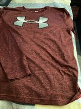 Youth large UNDER ARMOR long sleeve tee in Chicago, Illinois