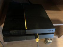 Playstation 4 Console - 500GB Black in Wiesbaden, GE
