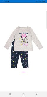 Minnie mouse leggings and top in Aurora, Illinois