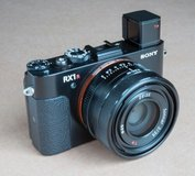 Sony Cyber-shot DSC-RX1RM2 42.4MP Digital Camera For sell in Bellaire, Texas