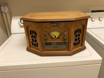 Vintage Style Radio/Phono/CD/Cassette Player in Cleveland, Texas