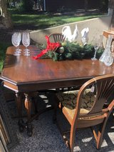 Dining Table w/ 4 chairs in Naperville, Illinois
