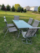 Table and chairs in Sandwich, Illinois