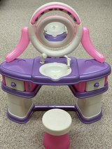 Princess Vanity Table in Chicago, Illinois