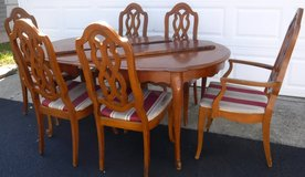 Dining Room Table w/3 leaves + 6 Chairs - Project Piece in Chicago, Illinois