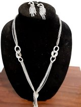 Long necklace and earring set in Alamogordo, New Mexico