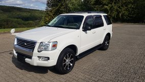 2010 Ford Explorer 4.0 V6 4X4 7-seater *Awesome Condition* in Ramstein, Germany