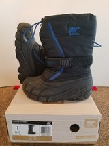 Sorel Snow Boots Size 1 Y in Hill AFB, UT
