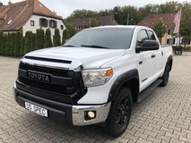 2015 Toyota Tundra SR5 Double Cab 4x4 in Ramstein, Germany