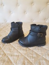 Gap boots toddler girl size 6 in Naperville, Illinois