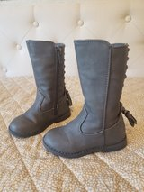 tall boots toddler size 6 gray in Naperville, Illinois