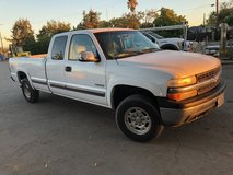 2000 Chevy 2500 4x4 Long bed Extended cab in Travis AFB, California