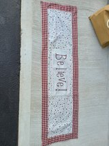 table runner in Morris, Illinois