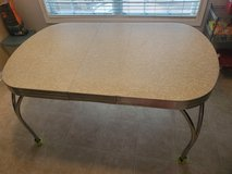 Vintage 1950s Formica Chrome Kitchen Table w/Leaf in Fort Campbell, Kentucky